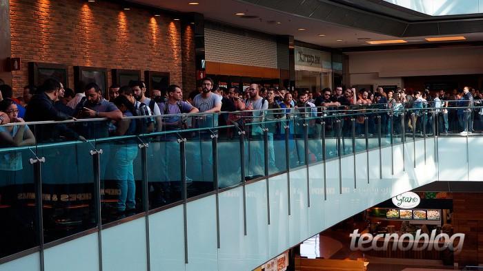 No quinto andar do Shopping Vila Olímpia, onde aconteceu o primeiro evento da Xiaomi, grandes filas eram formadas em frente ao teatro.