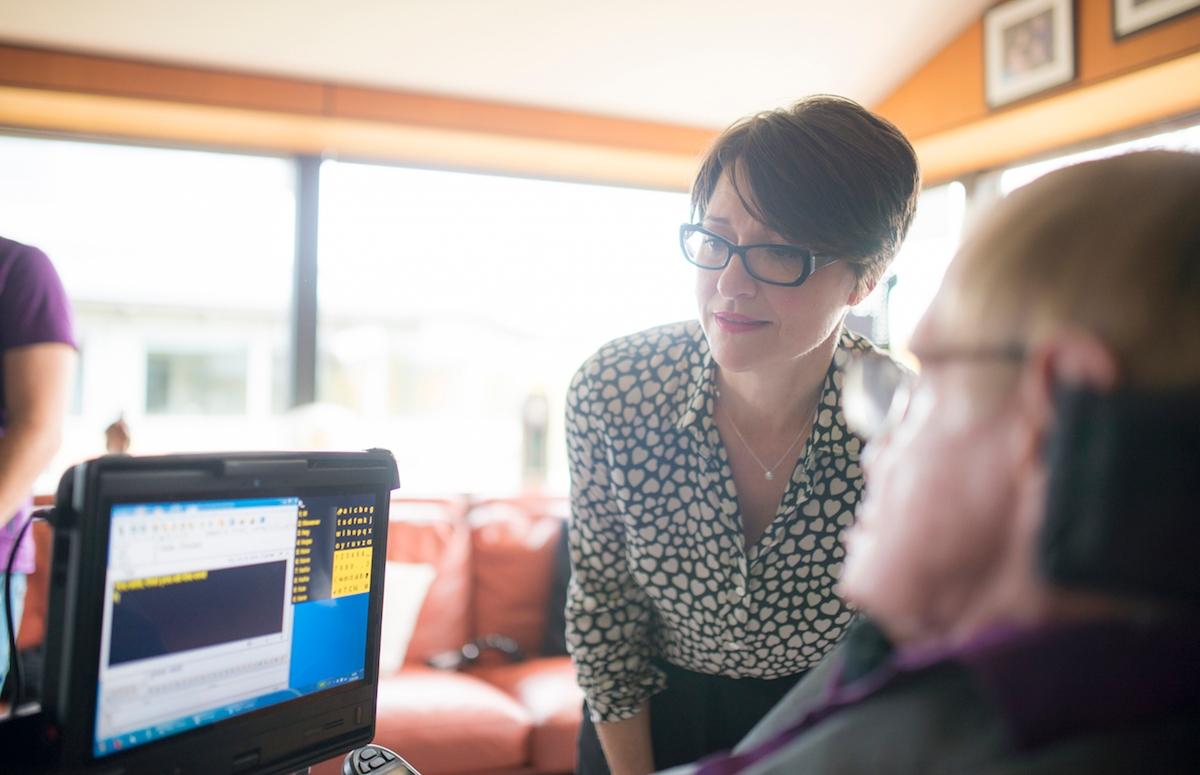 Como funciona o software que ajuda Stephen Hawking a se comunicar – Tecnoblog