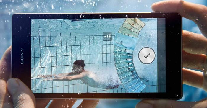 Segundo a página da Sony Mobile brasileira: isso pode. Segundo a Sony Mobile internacional: de jeito nenhum!