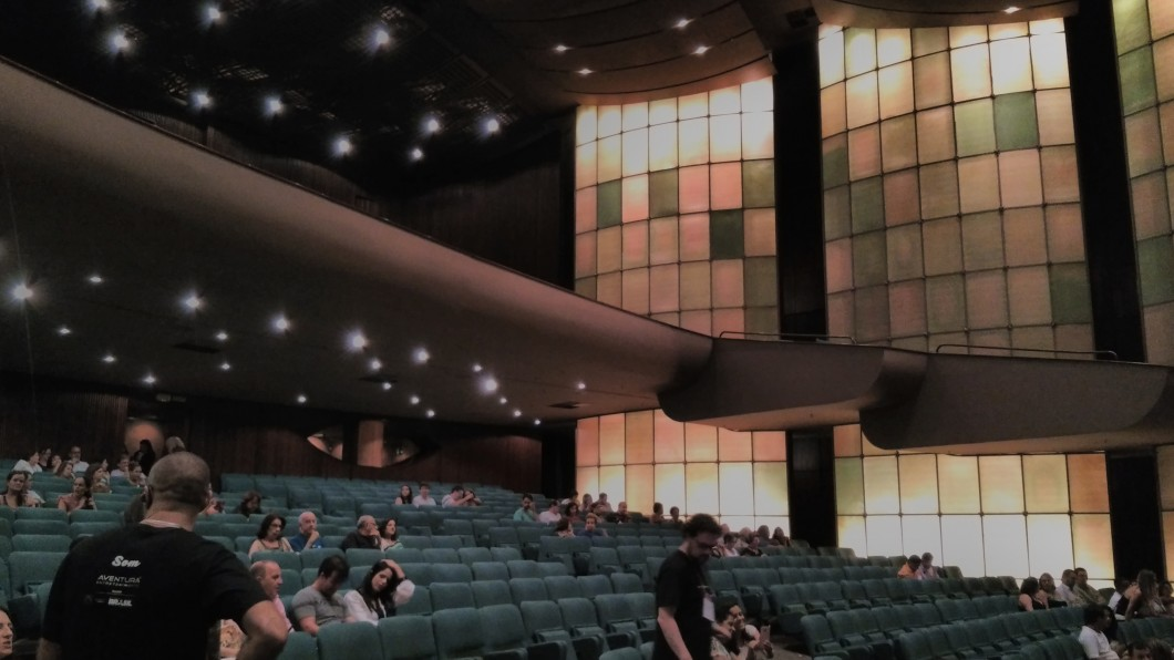 Ambiente com iluminação artificial
