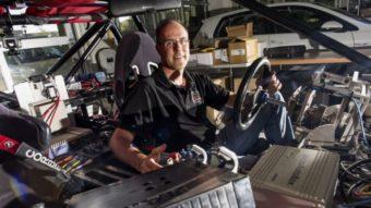 Um professor está fazendo as perguntas certas sobre carros autônomos