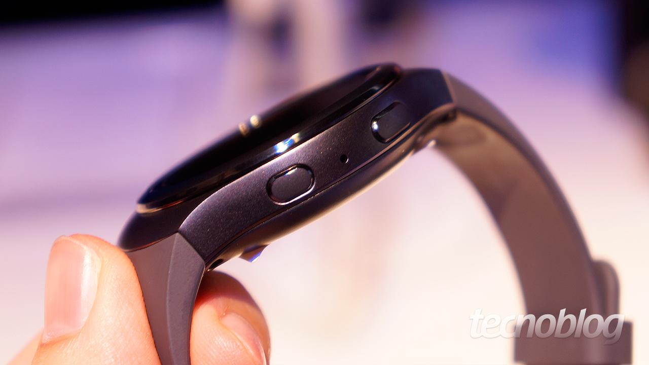 a633c84d604 Gear S2  o bonito smartwatch redondo da Samsung com Tizen e aro ...