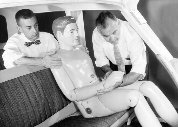Um dos primeiros dummies usados pela Ford