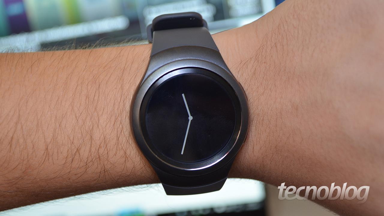 b66aa6d35b3 A Samsung não tem bom histórico no lançamento de smartwatches. Se você  pensar na linha Gear