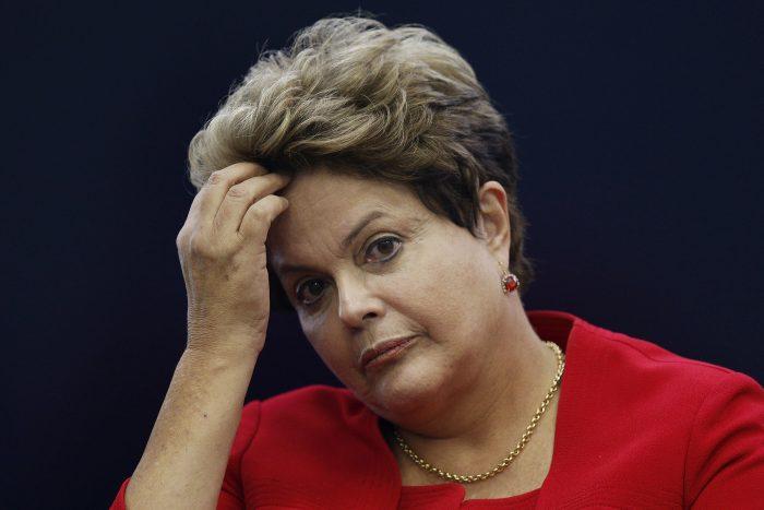 A presidente Dilma Rousseff durante entrevista coletiva sobre a Copa do Mundo, em Brasília, na segunda-feira. (Foto: Reuters/Ueslei Marcelino)