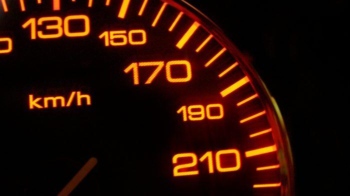 rapido-velocidade-velocimetro