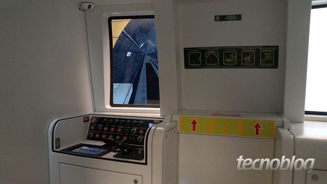 Simulador - Linha 4-Amarela