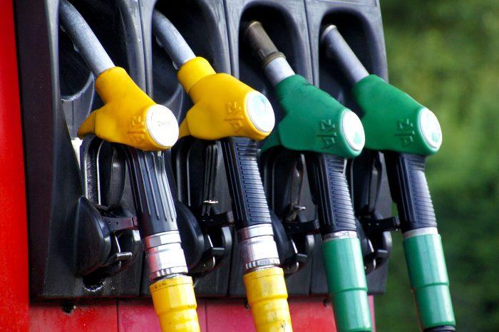 combustivel-gasolina-diesel-carro-automovel-700x466.jpg