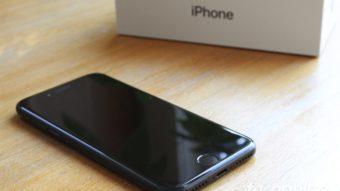 Por que o gás hélio faz iPhones pararem de funcionar?