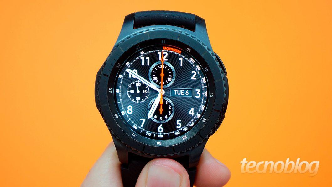 6a65317b5c5 Review Gear S3 Frontier  um toque esportivo no pulso  análise vídeo ...