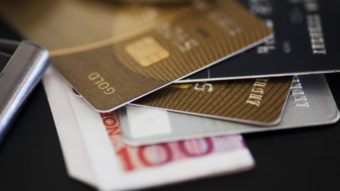 Governo volta a cobrar IOF em transações de crédito nesta sexta-feira (27)