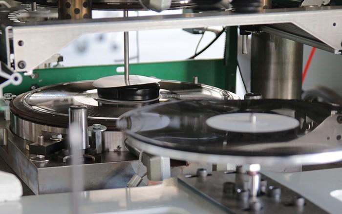 Produção de discos de vinil está sendo modernizada para dar conta da demanda – Tecnoblog
