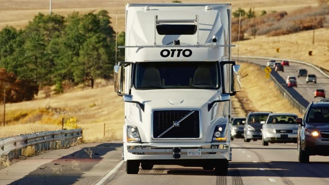 Caminhão sem condutor da Otto