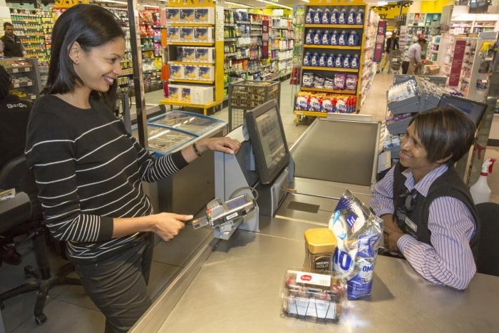 Su próxima tarjeta de crédito puede incluir un lector de huellas digitales sin contraseña