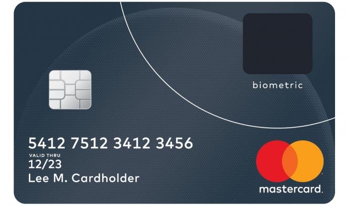Cartão com biometria tipo Samsung da Mastercard (Imagem: divulgação/Mastercard)