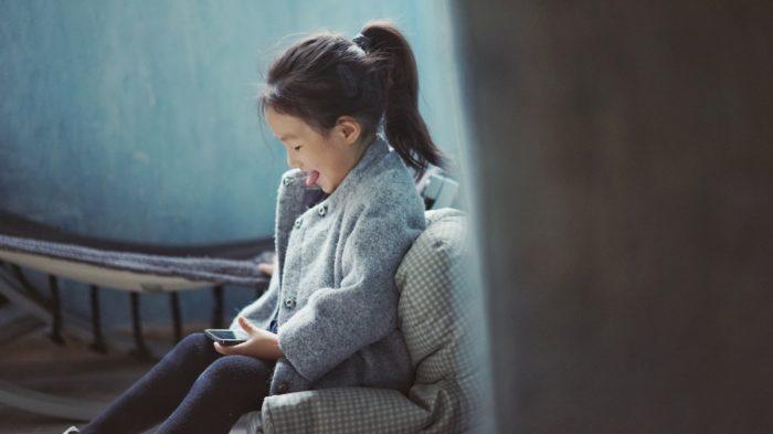 Saiba como excluir o Instagram de crianças usando o celular ou o computador / Imagem: Unsplash