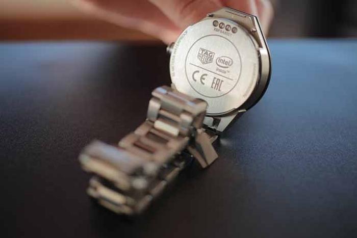 Relógio da Tag Heuer feito em parceria com a Intel
