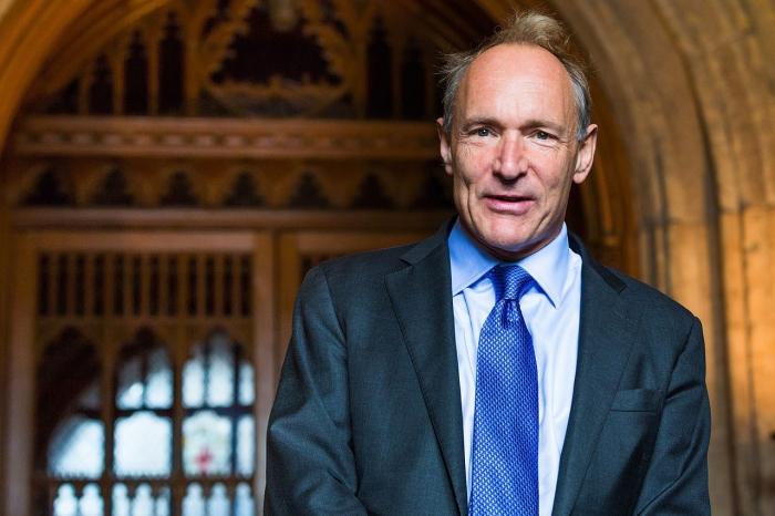 Tim Berners-Lee (Imagem por Wikipedia)