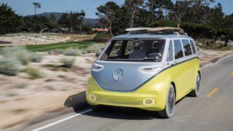 """Volkswagen vai produzir """"Kombi elétrica"""" a partir de 2022"""