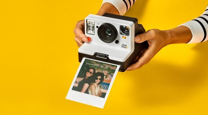 d56f2fd4237cc Polaroid OneStep 2 é uma câmera instantânea fácil de usar por US ...