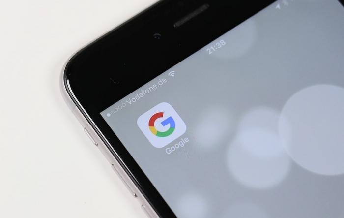 Google no iPhone (Imagem: Oliver Graumnitz/Pixabay)