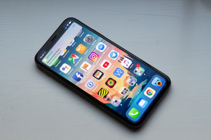 IPhone X montado com mão-de-obra estudantil ilegal