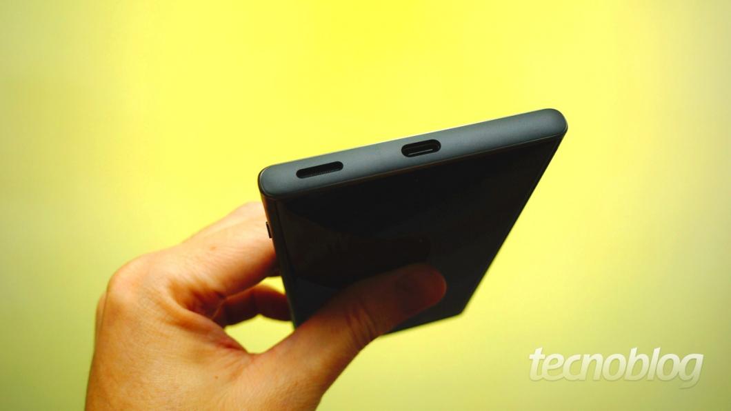 O Xperia XA1 Plus tem porta USB-C, mas no padrão 2.0