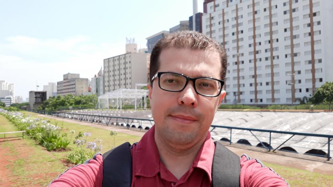 Selfie feita com o Samsung Galaxy J7 Pro