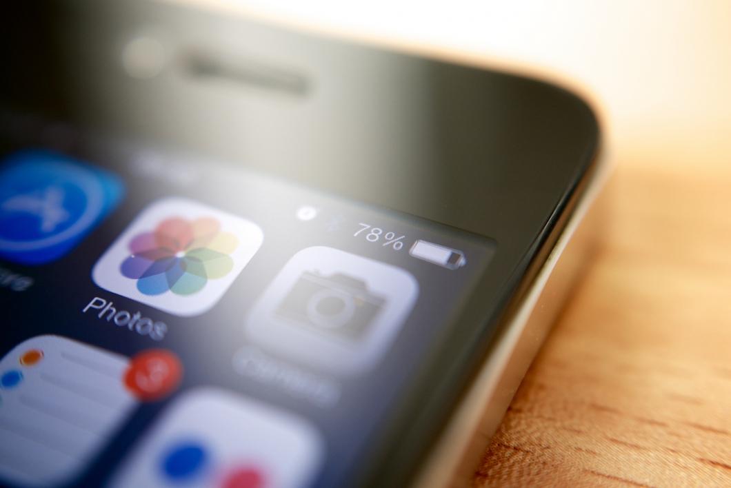 iPhone - Bateria (Foto por Kārlis Dambrāns/Flickr)