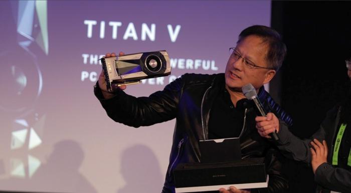 Jensen Huang, CEO da Nvidia, na apresentação da Titan V