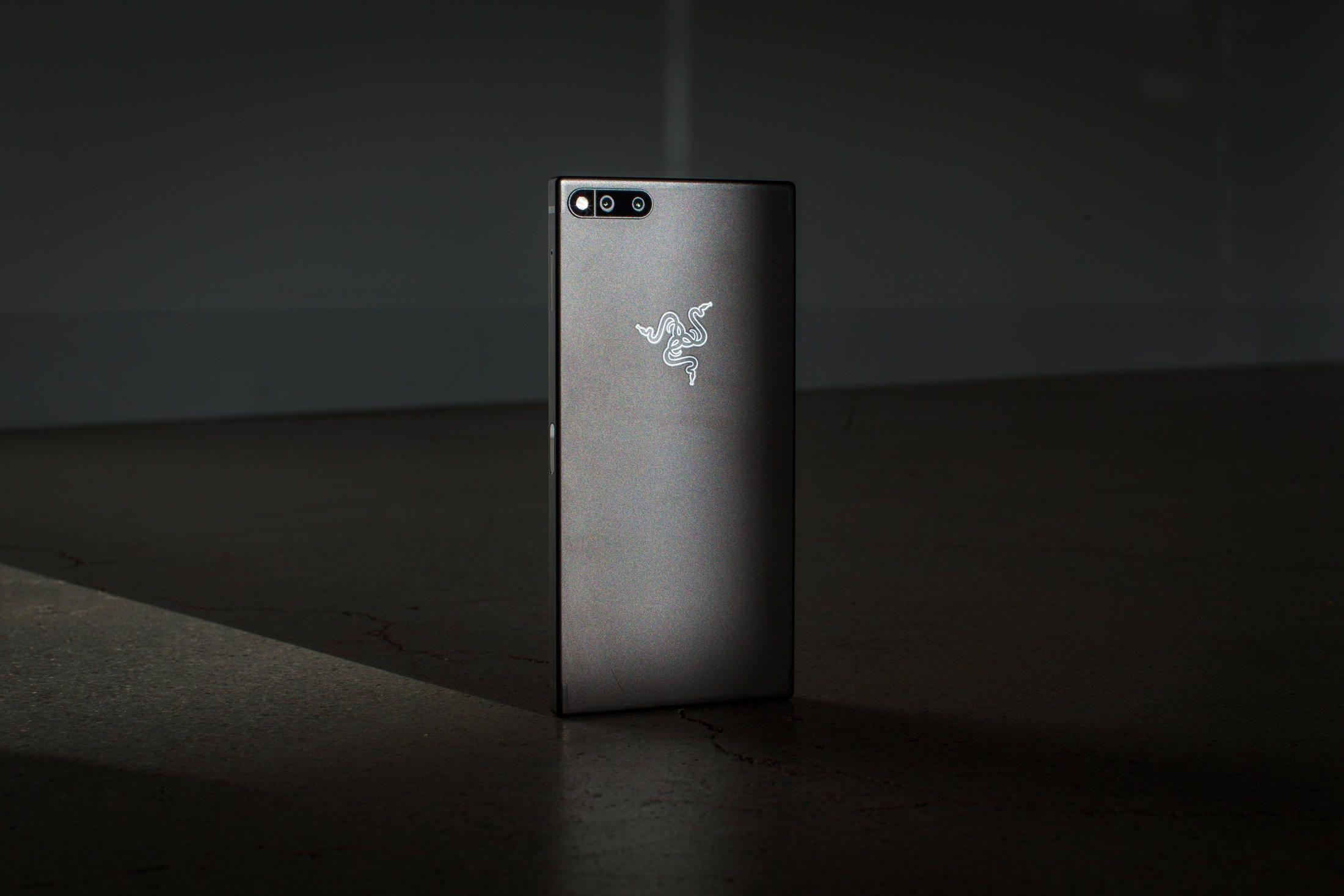O que os reviews dizem sobre o razer phone tecnoblog razer phone foto cnet stopboris Choice Image