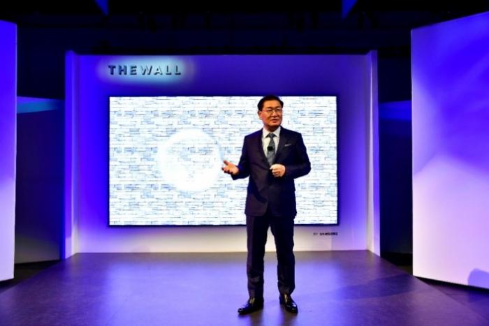 Este televisor Samsung MicroLED mide 146 pulgadas