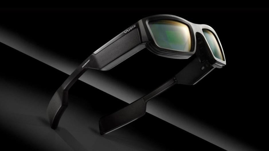7d4da0de6 A empresa americana Vuzix tentou evoluir esse conceito, criando um par de  óculos que exibe informações na lente. Confira os detalhes.