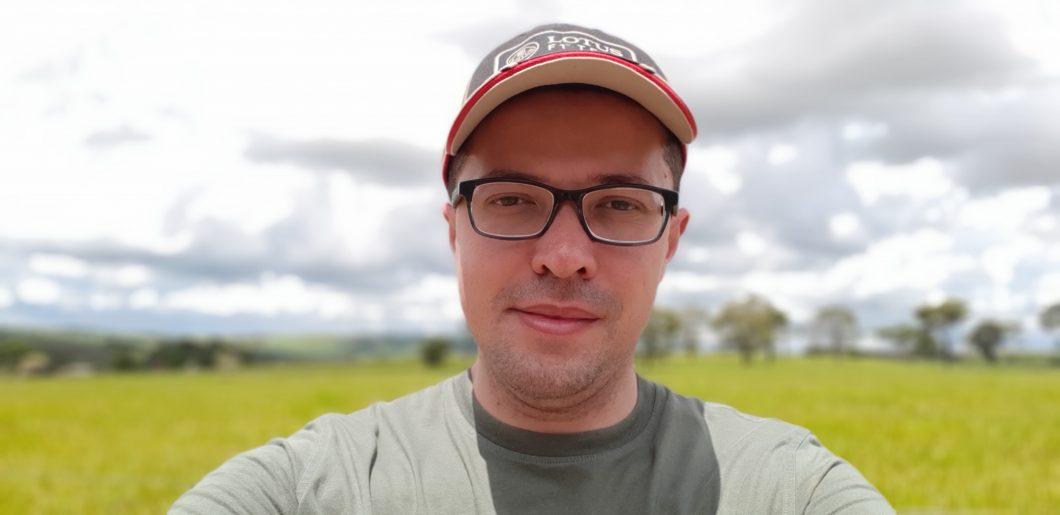 Selfie com destoque manual no nível máximo