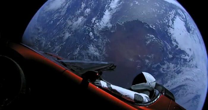Tesla Roadster no espaço