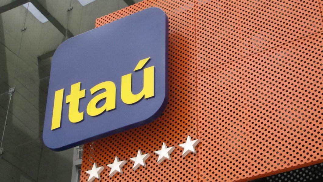 Fachada do banco Itaú (Imagem: thomashobbs / Flickr)
