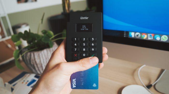 Nubank reprovado? Connheça 12 alternativas de cartões sem taxas (Imagem: CardMapr/Unsplash)