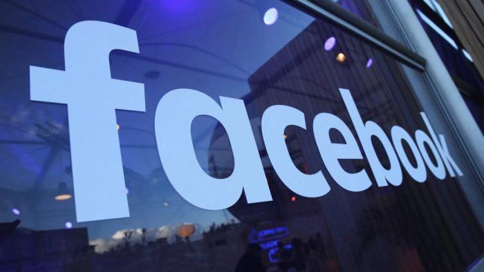Facebook aprovou anúncios supostamente pagos pela Cambridge Analytica