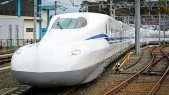 """Trem-bala do Japão ganha versão """"Supreme"""" mais eficiente e confortável"""