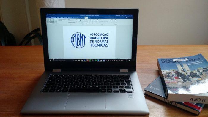 Notebook e normas ABNT / whatsapp na abnt