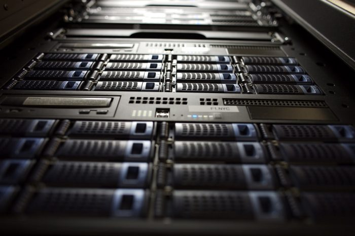 Servidor de storage - imagem por grover_net