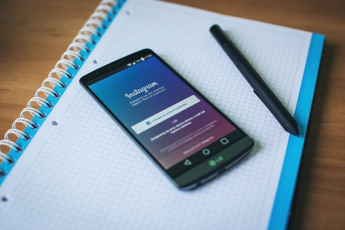 Foto do app do Instagram em um smartphone