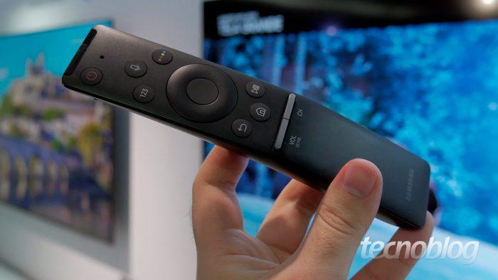 Samsung / Controle Remoto Único (NU7400 e NU8000) / para que serve o cabo hdmi