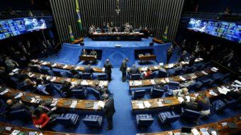 Qual é a polêmica em torno da lei de proteção de dados pessoais no Brasil