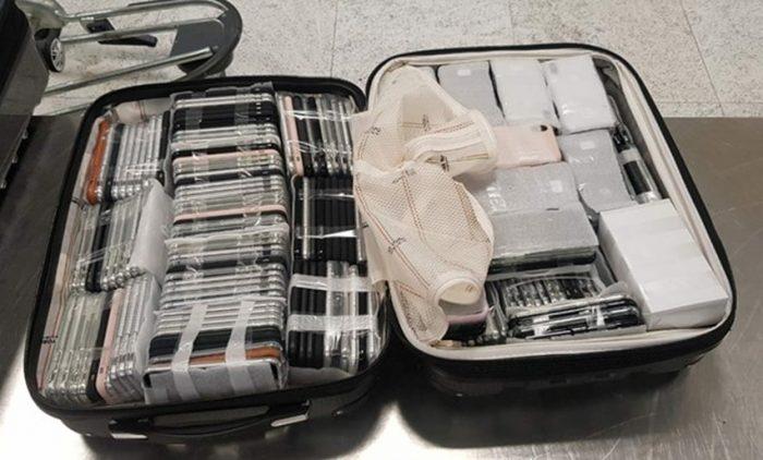 Os iPhones apreendidos (Foto: Receita Federal)