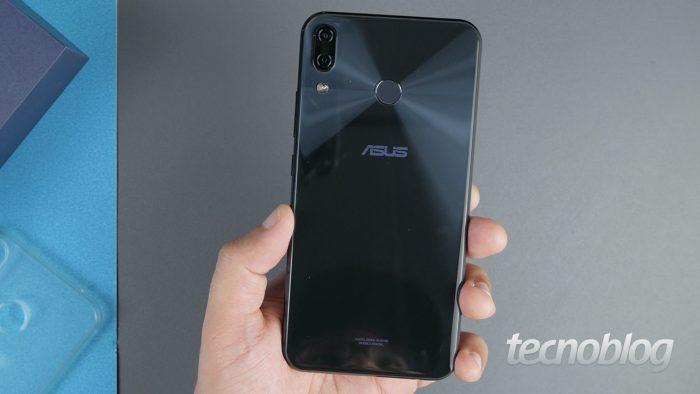 Asus Zenfone 5 (Image: Paulo Barba / Tecnoblog)
