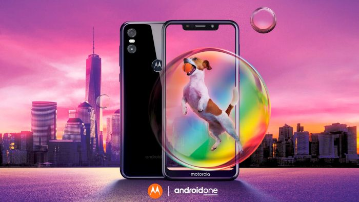 Motorola One is official, with pure Android, notch and intermediate hardware