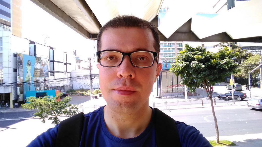 Selfie feita com o Moto E5 Play