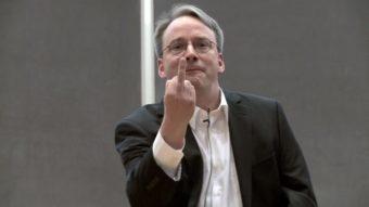 Linus Torvalds pede desculpas pelo comportamento agressivo e tira folga
