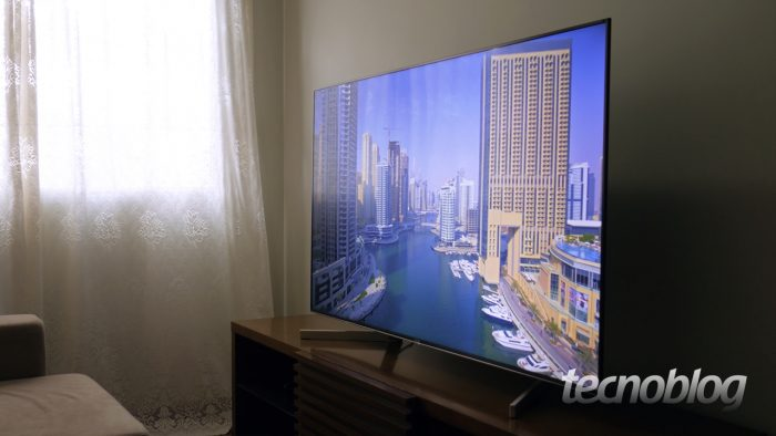 TV Sony X905F (Imagem: Paulo Higa/Tecnoblog)